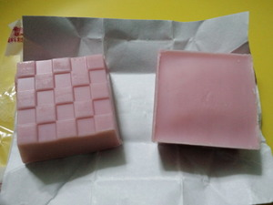 チロルチョコいちごミルキー.JPG