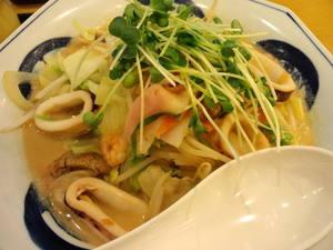 リンガーハット野菜たっぷりいかちゃんぽん.JPG